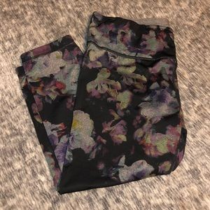Reversible Danskin Cropped Floral / Grey Leggings